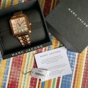 Marc Jacobs watch rose gold in a box. Great shape